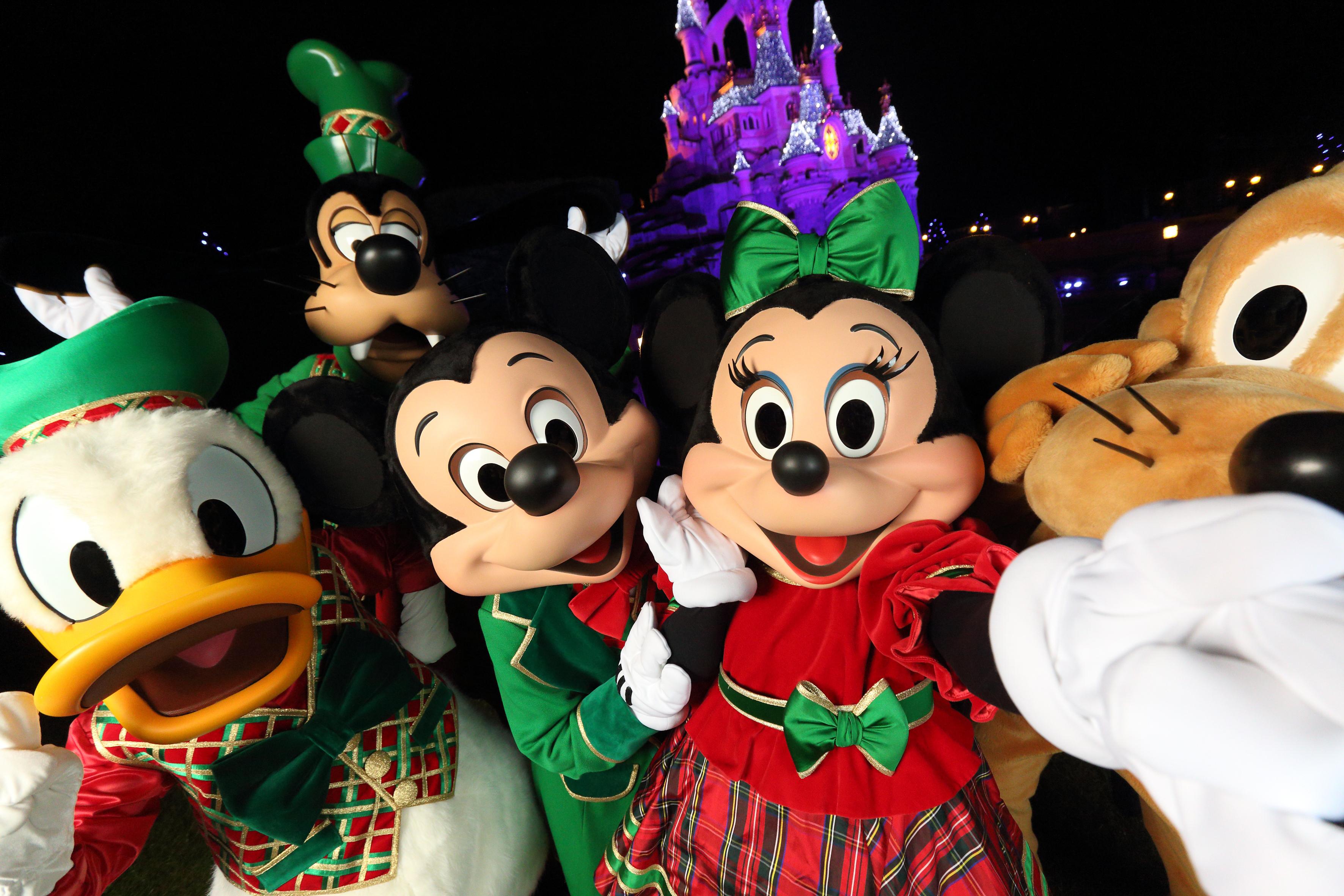 Mickey, Minnie, Donald, Pluto y Goofy.JPG